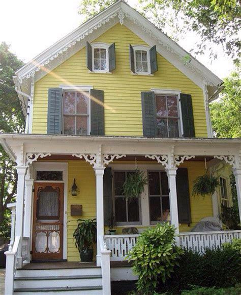 Viktorianisches Haus Bauen by Vintage Yellow House H 228 User Gro 223 Klein Sch 246 Ne