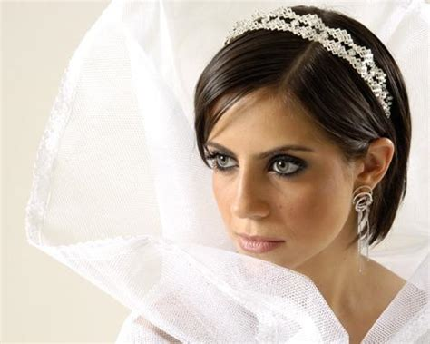 Wedding For Short Hair : 10 Amazing Indian Wedding Hairstyles