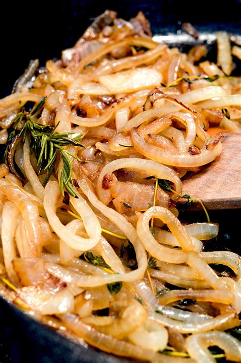 sauteed onions how to saute onions easily quickly perfect everytime