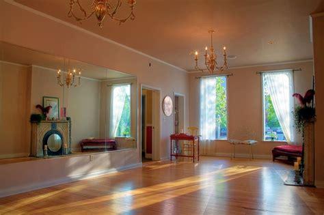 Extra Bedroom? Personal Dance Studio! Yes, Please!