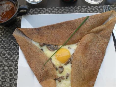 cuisine carcassonne traditional food creperie le ble noir