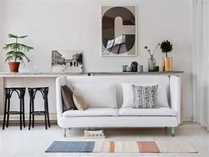 Canapé Lit Petit Espace : petit espace un mini canap pour ne pas surcharger le salon ~ Voncanada.com Idées de Décoration