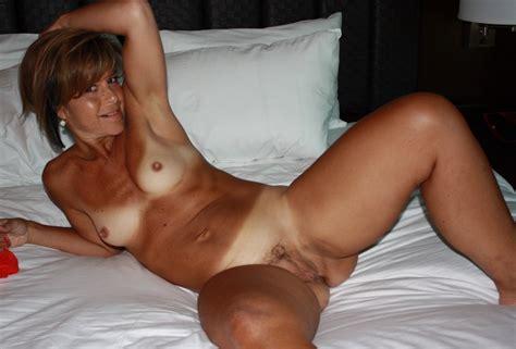 Tanlined Milf Porn Pic EPORNER