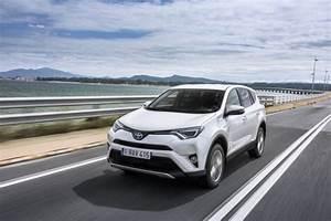 4x4 Toyota Hybride : essai toyota rav4 hybride notre avis sur le nouveau rav4 l 39 argus ~ Maxctalentgroup.com Avis de Voitures