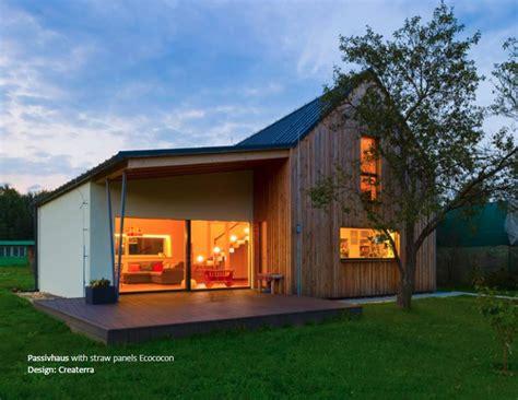 combien coute un chalet en bois habitable maison en paille construction passive panneaux de paille