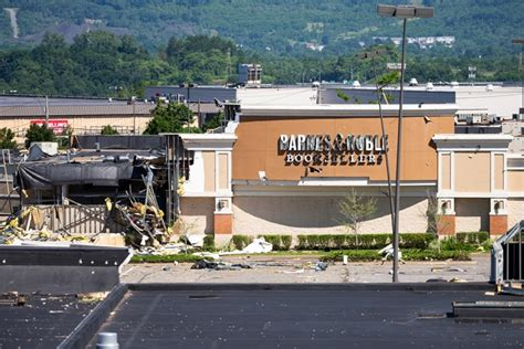 barnes and noble wilkes barre barnes noble in wilkes barre says it will rebuild after