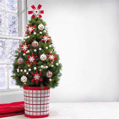 miniature tabletop christmas tree decorating ideas
