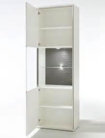 Wohnzimmer Vitrine Weiß Hochglanz : vitrine travis 4 wei hochglanz 64x201x38 cm glasvitrine wohnzimmer wohnbereiche esszimmer ~ Bigdaddyawards.com Haus und Dekorationen