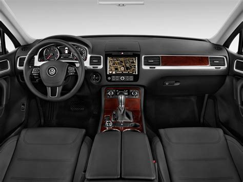 interior del volkswagen touareg hybrid  lista de carros