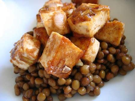 cuisiner tofu fum recette de salade de lentilles au tofu fumé recettes
