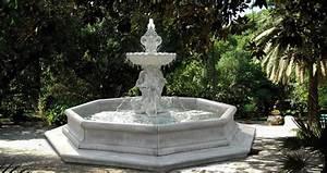 Fontaine Pour Bassin A Poisson : fontaine en pierre avec vasque sur pied statue poisson bassin et margelle mod le varazze ~ Voncanada.com Idées de Décoration