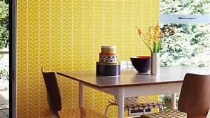 Après le jaune soleil, place au jaune moutarde