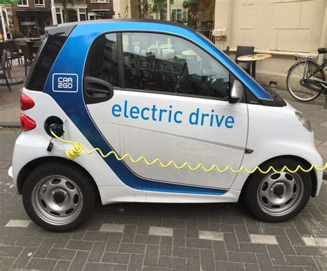 Cars That Run On Electricity by Cars Will Run On Electricity In Future Pollution Level