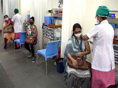 COVID-19 vaccination drive halted at 178 centres in ...