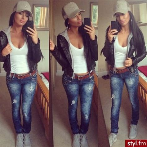 Love the brown belt white tank and distressed blue jean look sporty n sexy wit the ball cap too ...