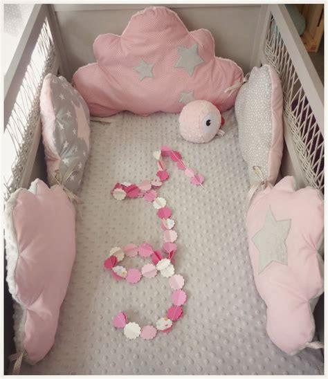 tour de lit b 233 b 233 fille parade d enfant et 233 cru b 233 b 233 et roses