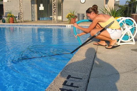 Diy Swimming Pool And Spa Cleaning And Maintenance