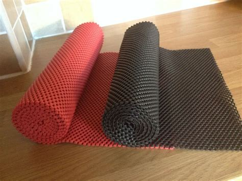 Kitchen Cupboard Liners by Anti Slip Kitchen Liners Non Slip Mat Roll Drawer Liner
