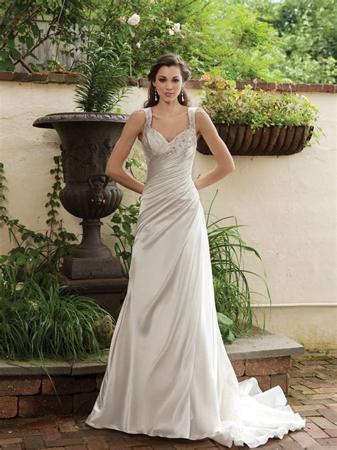 glamorous and gorgeous outdoor wedding dresses ohh my my