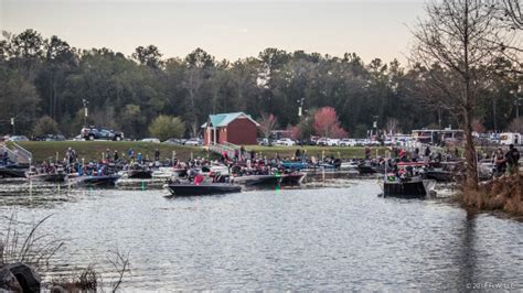Marietta Boat Club Fishing Tournament by Two Boats Collide At Costa Flw Series At Lake Seminole