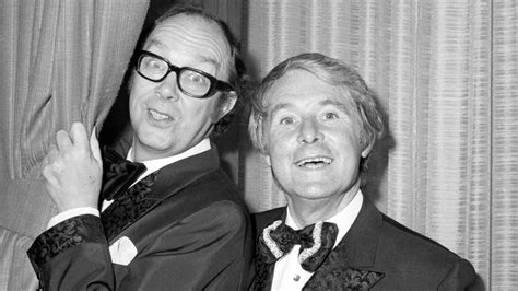 statue  morecambe  wise   unveiled itv news