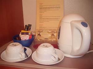Wasserkocher Für Tee : wasserkocher f r tee und kaffee kostenlos hotel ~ Yasmunasinghe.com Haus und Dekorationen