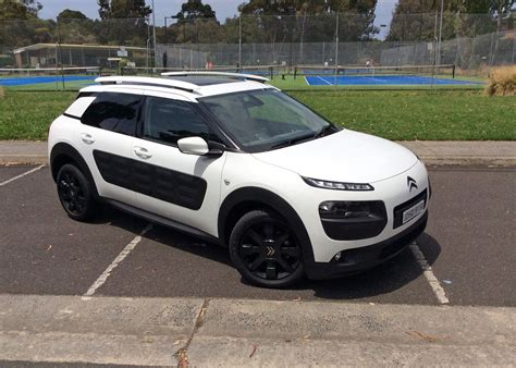 Citroen Cactus by 2016 Citroen C4 Cactus Review Turning And Practical