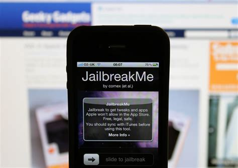 what does jailbreaking your phone do does jailbreaking your iphone 4 improve its features