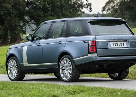 land rover 2018 2018 range rover gets a facelift pricing starts at