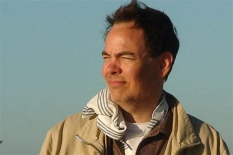 max keiser deems bitcoin  perfect reply  fake money