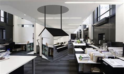 bureau high tech livingroom design white ceramic flooring sofa living room