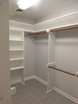 walk in closet master bathroom