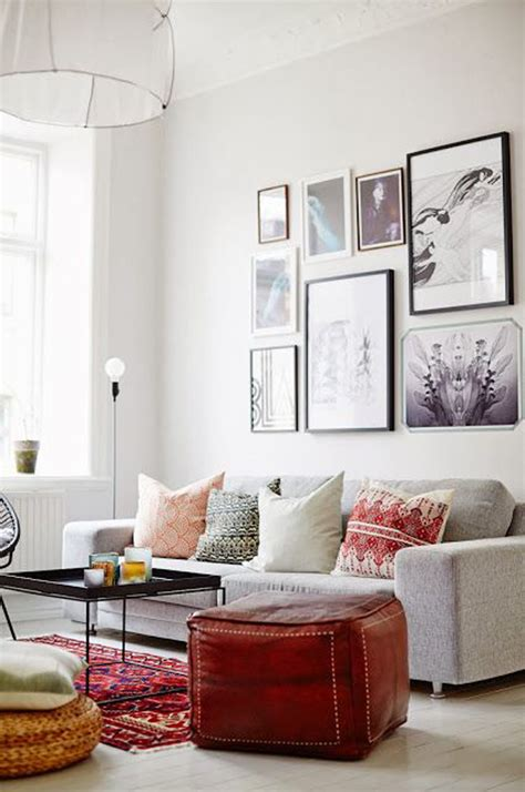 bright gallery wall interior ideas