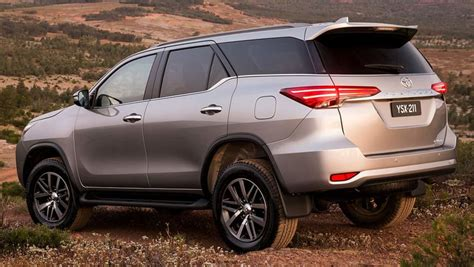 Review Toyota Fortuner by 2016 Toyota Fortuner Crusade Review Road Test Carsguide