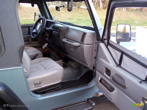 jeep tj interior 1997 jeep wrangler sport 4x4 interior photo 40967076