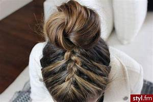 60 Easy and Quick Top Knot Hairstyles to Sport the Celebrity Look