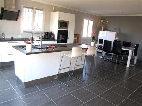 cuisine blanc laque avec ilot cuisine blanc laqué avec ilot central photo 1 1 et