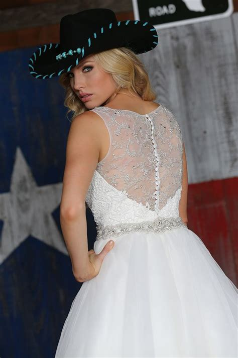 find  perfect wedding dress  davinci bridal oncewedcom