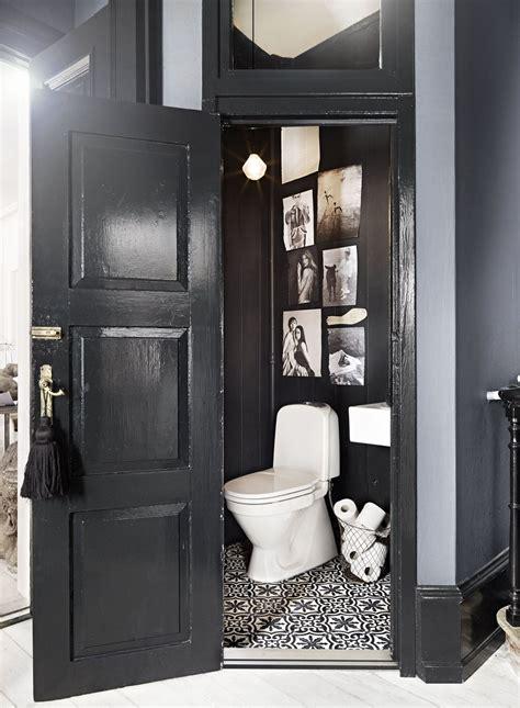 canap h et h décoration wc en noir et blanc