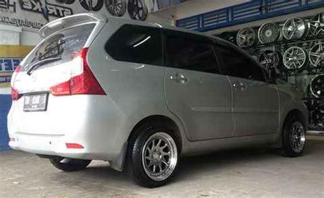 Modivikasi Velg Calya Terbaru by 20 Modifikasi Daihatsu Xenia Untuk Semua Warna Dan Tipe