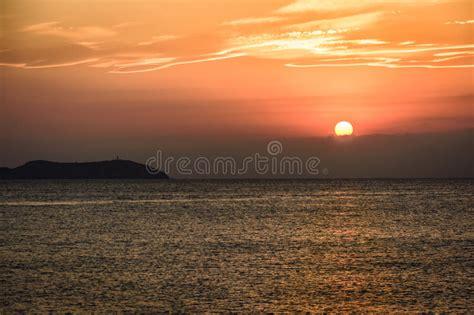 panorama mediterraneo de la puesta del sol foto de archivo