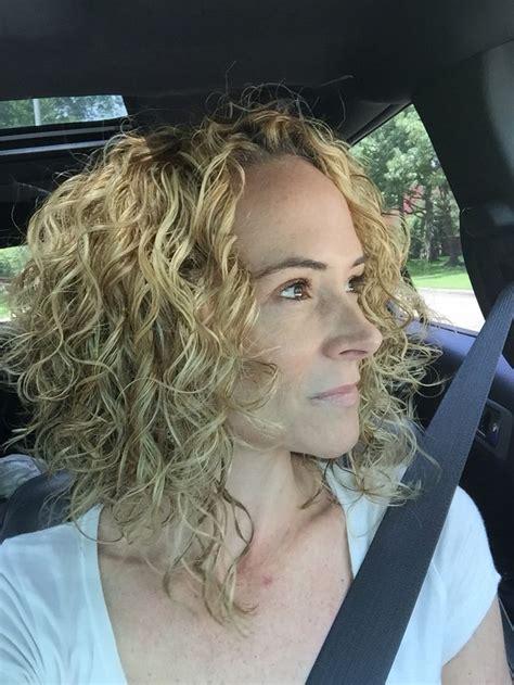 layered angled bob hair curly