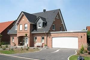 landhaus de vries sk hausbau garbsen With markise balkon mit flur tapeten landhaus