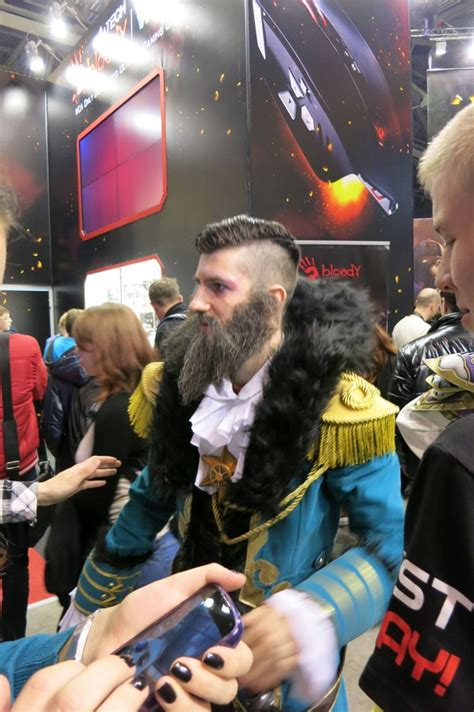awesome kunkka cosplay    russian comic   post  rpics dota