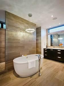 Bad Design Online : bad design fliesen holz optik wand boden badewanne oval bad g ste wc pinterest w nde und ~ Markanthonyermac.com Haus und Dekorationen