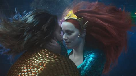 aquaman kiss scene amber heard  jason momoa youtube