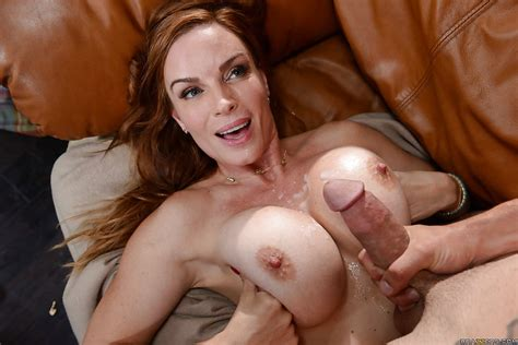 Big Boobed Mature Milf Diamond Foxxx Takes Cumshot On Tits After Oral Sex