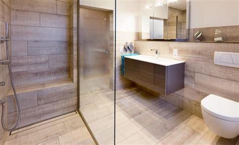 Badezimmer Fliesen Wand Und Boden Gleich by Begehbare Duschen Mit Fliesen Gestalten Fliesen Kemmler