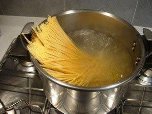 comment faire cuir des pates cuisine facile comment bien cuire les p 226 tes