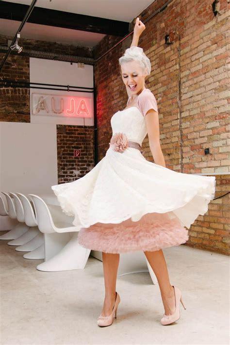 brautkleider kurz laessig frech petticoat kleid